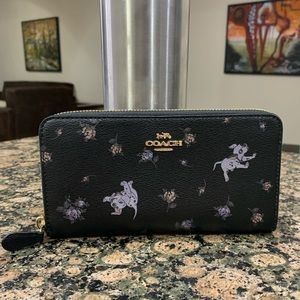 COACH DISNEY X ACCORDION ZIP WALLET DALMATIAN